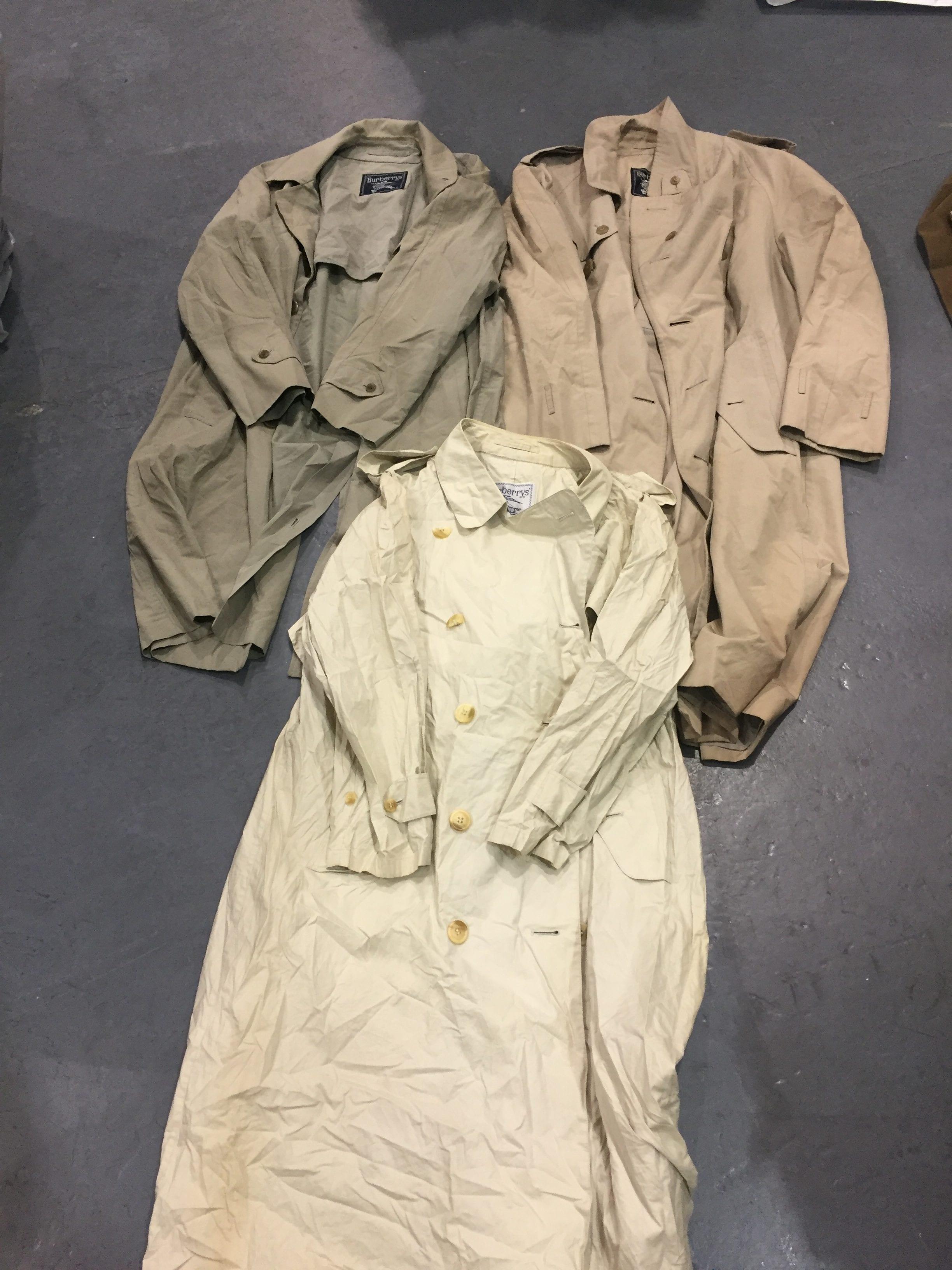 20 x Burberry Mac and Trench Coat Grade B
