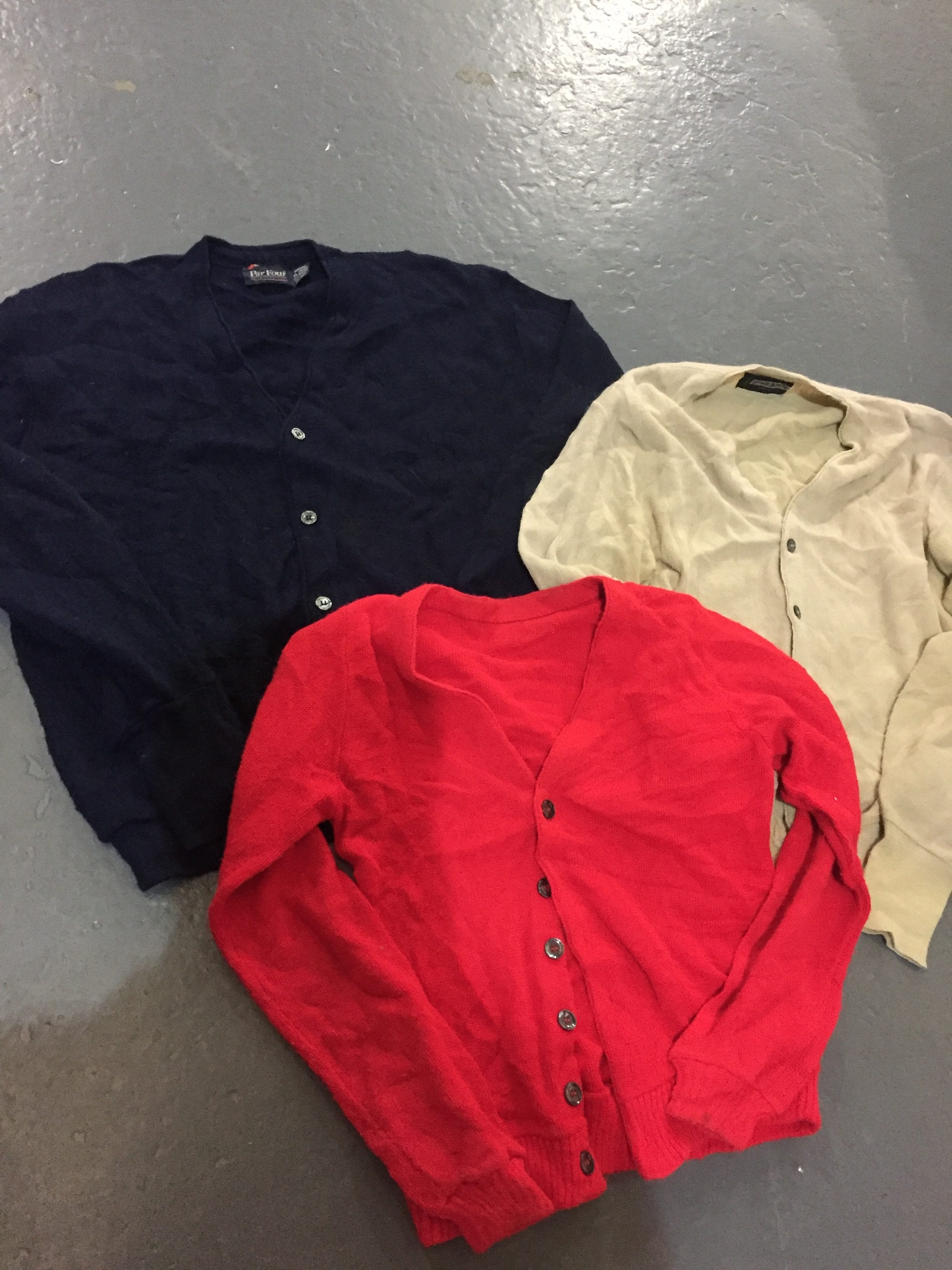 100 x Vintage Plain Cardigans